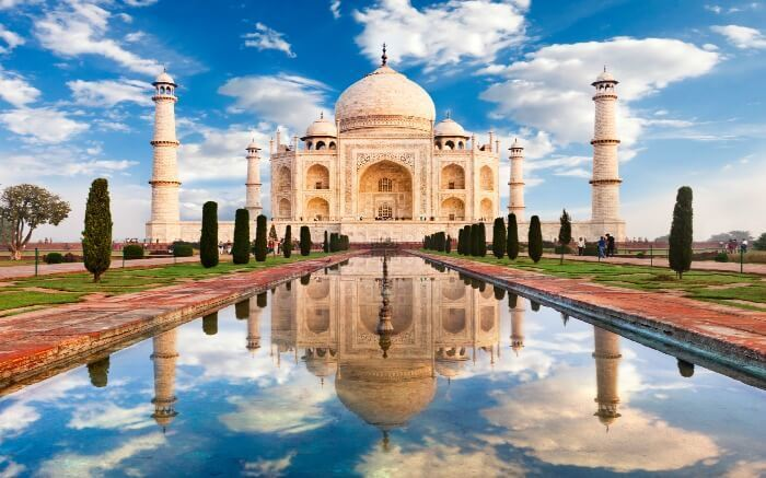 two famous indian monuments